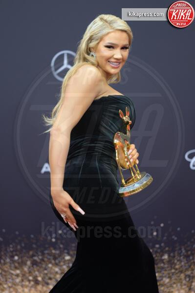 Shirin David - Baden Baden - 21-11-2019 - Naomi Watts, trasparenze in tulle Dior ai Bambi Awards