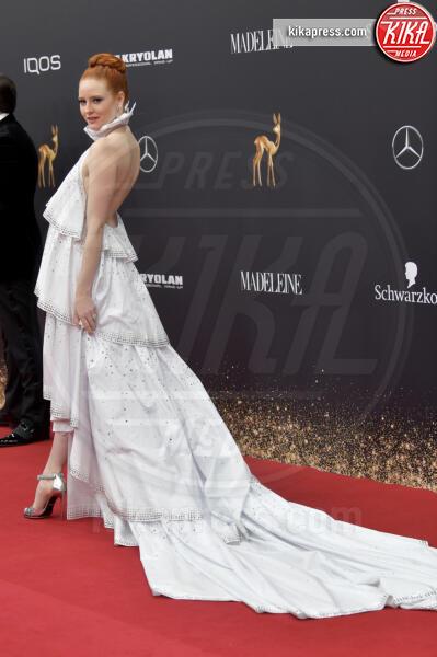 Barbara Meier - Baden Baden - 21-11-2019 - Naomi Watts, trasparenze in tulle Dior ai Bambi Awards