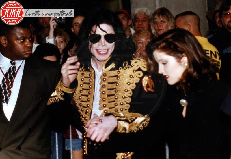 Michael Jackson, Lisa Marie Presley - Memphis - 08-10-1994 - Suoceri famosi delle star... e dove trovarli!