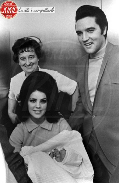 Elvis Presley, Lisa Marie Presley, Priscilla Presley - Memphis - 05-02-1968 - Suoceri famosi delle star... e dove trovarli!