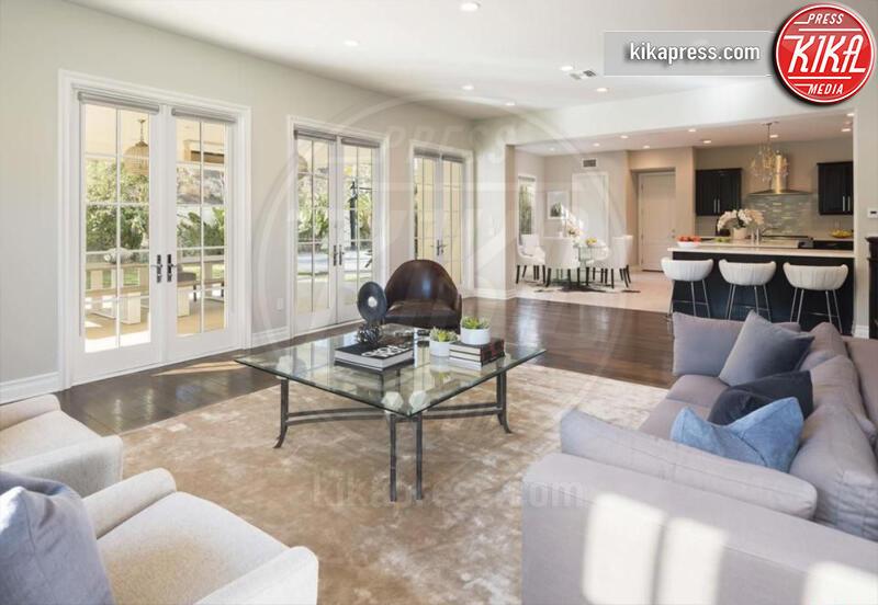 Villa Katie Holmes - Calabasas - 27-11-2019 - La villa a forma di H di Katie Holmes