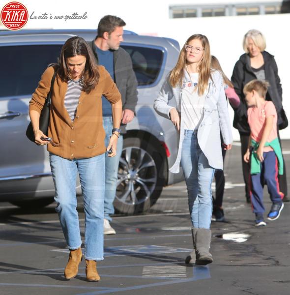 Samuel Affleck, Violet Anne Affleck, Jennifer Garner, Ben Affleck - Westwood - 27-11-2019 - Jennifer Garner-Ben Affleck, musi lunghi in famiglia