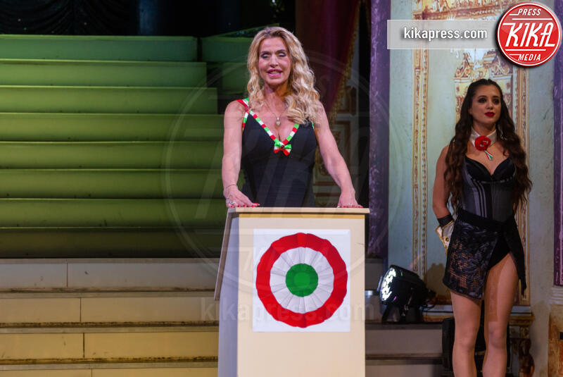 Valeria Marini - Roma - 28-11-2019 - Valeria Marini è Presidente: tutti in piedi, anche Cecchi Gori!