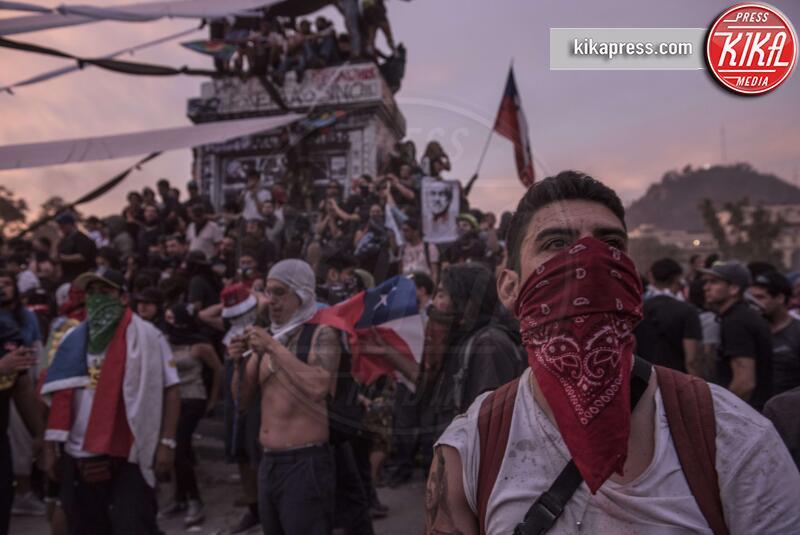Rivolta in Cile - Cile - 09-11-2019 - Addio 2019, le immagini simbolo dell'anno