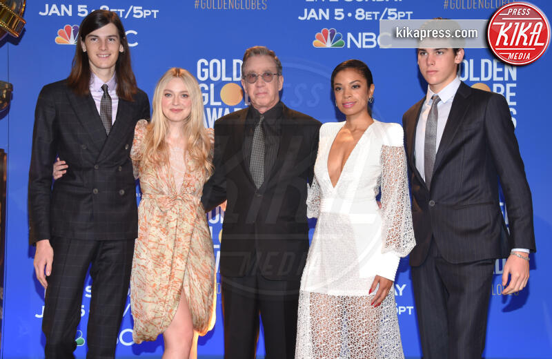 Susan Kelechi Watson a, Dylan Brosnan, Tim Allen, Dakota Fanning - Beverly Hills - 09-12-2019 - Golden Globes 2020: alle nomination trionfo The Crown e Scorsese