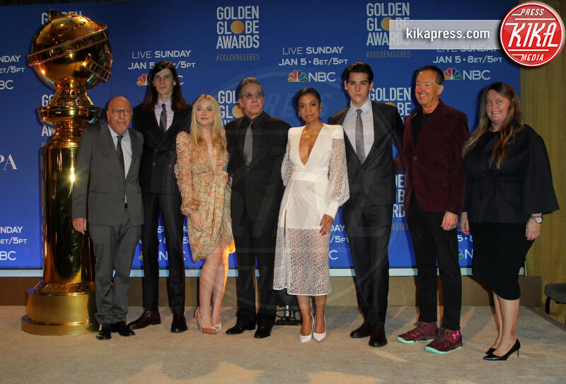 Amy Thurlow, Susan Kelechi Watson, Paris Brosnan, Barry Adelman, Dylan Brosnan, Lorenzo Soria, Tim Allen, Dakota Fanning - Los Angeles - 09-12-2019 - Golden Globes 2020: alle nomination trionfo The Crown e Scorsese