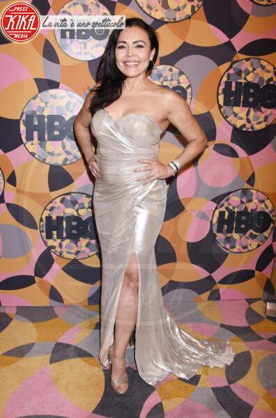 Sandra Santiago - Beverly Hills - 05-01-2020 - Golden Globes 2020, Helen Mirren signora in rosso al party HBO
