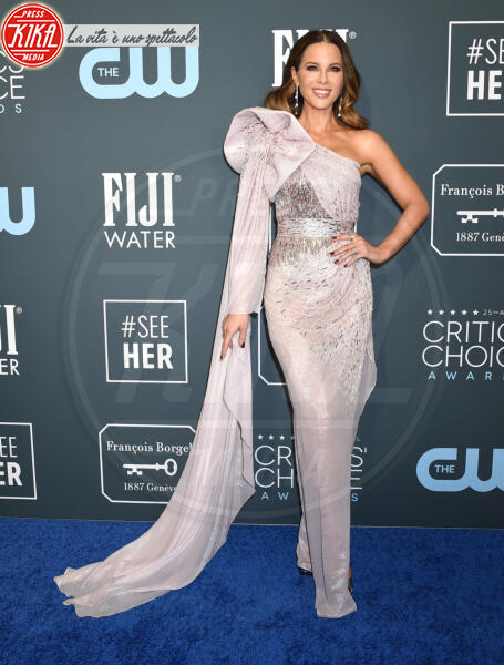 Kate Beckinsale - Santa Monica - 12-01-2020 - Critics' Choice Awards: Anne Hathaway, guardatela negli occhi!