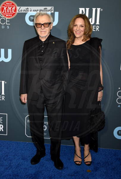 Daphna Kastner, Harvey Keitel - Santa Monica - 12-01-2020 - Critics' Choice Awards: Anne Hathaway, guardatela negli occhi!