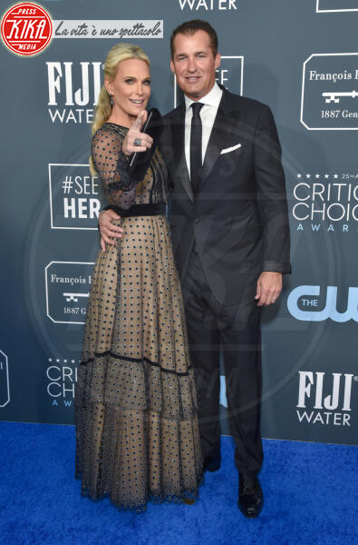 Scott Stuber, Molly Sims - Santa Monica - 12-01-2020 - Critics' Choice Awards: Anne Hathaway, guardatela negli occhi!