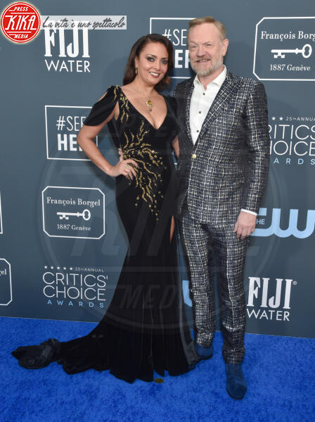 Jared Harris, Allegra Riggio - Santa Monica - 12-01-2020 - Critics' Choice Awards: Anne Hathaway, guardatela negli occhi!