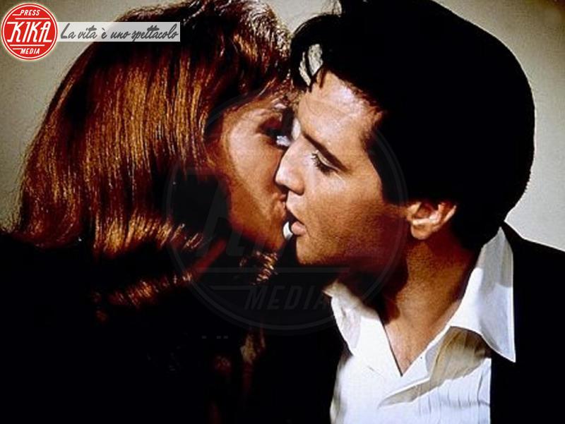 Elvis Presley - Annette Day in Double Trouble - 21-01-2008 - San Valentino: i baci più belli del cinema