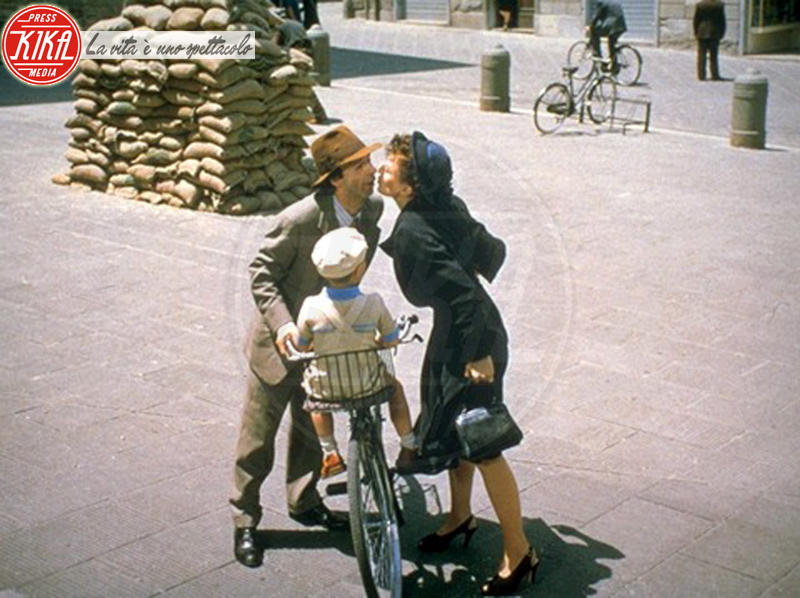 Nicoletta Braschi, Roberto Benigni - San Valentino: i baci più belli del cinema