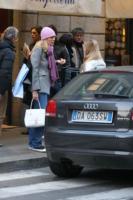 Lavinia, Beatrice Borromeo - Milano - 19-02-2008 - Lavinia e Beatrice Borromeo si concedono una pausa insieme