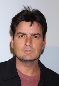 Charlie Sheen - Hollywood - 18-01-2005 - Sheen avrebbe tentato di assoldare un killer per uccidere l'ex