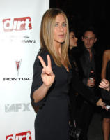 Jennifer Aniston - Hollywood - 09-12-2006 - Jennifer Aniston vola a Londra dal suo fidanzato John Mayer