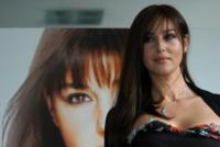 Monica Bellucci - Roma - La Bellucci dice sì al bracciale antistupro
