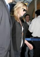 Kate Moss - Los Angeles - 13-04-2008 - Kate Moss strega il compagno rocker Jamie Hince