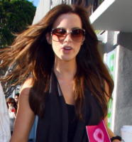 Kate Beckinsale - Hollywood - 15-04-2008 - Kate Beckinsale instacabile a letto, una frana in cucina