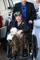 Elizabeth Taylor - Beverly Hills - 18-04-2008 - Liz Taylor, dimessa dall'ospedale, torna a casa