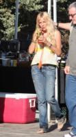 Sienna Miller - 13-11-2005 - Sienna Miller prova imbarazzo a stare nuda sul set