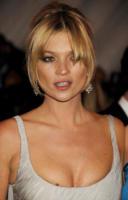 Kate Moss - New York - 05-05-2008 - Kate Moss strega il compagno rocker Jamie Hince