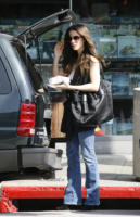 Kate Beckinsale - Beverly Hills - 07-05-2008 - Kate Beckinsale instacabile a letto, una frana in cucina