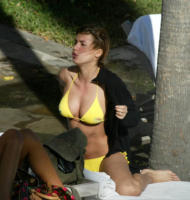 Elisabetta Canalis - Miami Beach - 11-07-2007 - Elisabetta Canalis svela il mistero a Controcampo