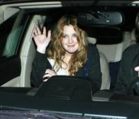 Drew Barrymore - Beverly Hills - 24-02-2008 - Drew Barrymore vittima di un incidente insegue il conducente dell'altra auto coinvolta