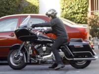 Ewan McGregor - Santa Monica - 13-05-2008 - Ewan McGregor alla guida della sua motocicletta dopo l'operazione