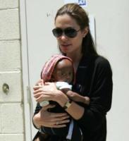 Angelina Jolie, Brad Pitt - Los Angeles - 16-11-2007 - Brad Pitt e Angelina Jolie in disaccordo su i nomi dei gemelli