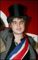 Pete Doherty - Parigi - 05-02-2008 - Blake Fielder-Civil offre soldi per picchiare Pete Doherthy