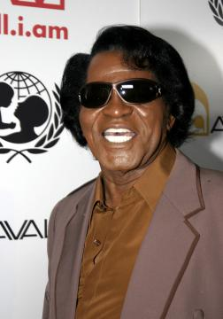 James Brown - Mick Jagger produrrà una biografia di Elvis Presley