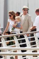 Angelina Jolie, Brad Pitt - Venezia - 04-09-2007 - Angelina Jolie e Brad Pitt vogliono adottare un bambino del Sud America