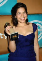 America Ferrera - Beverly Hills - 16-01-2007 - Ugly Betty si prepara per Broadway: diventerà un musical