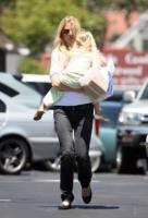"""figlia, Gwyneth Paltrow - Brentwood - 13-05-2007 - Gwyneth Paltrow ammette: """"Dopo il parto ho sofferto di depressione"""""""