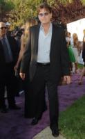"""Charlie Sheen - Hollywood - 01-06-2008 - Charlie Sheen licenziato dal set di Due uomini e mezzo, e' un """"uomo malato che ha bisogno di cure"""""""