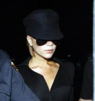 """Victoria Beckham - Los Angeles - 19-05-2008 - L'ultima moda di Victoria Beckham è la """"yoga del viso"""" per evitare le rughe"""
