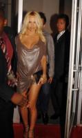 Pamela Anderson - Los Angeles - 24-05-2008 - Pamela Anderson mette all'asta la sua Dodge Viper