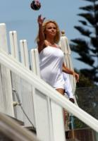 Pamela Anderson - Malibu - 27-05-2008 - Pamela Anderson mette all'asta la sua Dodge Viper