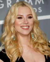 """Scarlett Johansson - Los Angeles - 20-02-2007 - Secondo Scarlett Johansson """"la monogamia e' contro natura"""""""
