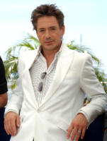Robert Downey Jr - Cannes - 25-05-2006 - Robert Downey Jr. brillera' tra le stelle della Walk of Fame