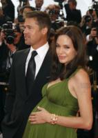 """Angelina Jolie, Brad Pitt - Cannes - 15-05-2008 - Angelina Jolie: """"Che bello rotolarsi a terra con Brad Pitt"""""""