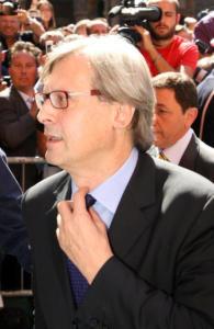 Vittorio Sgarbi - Modena - 01-07-2008 - Vittorio Sgarbi ha la meglio sulla Moratti e viene eletto sindaco in Sicilia