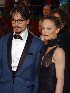 Vanessa Paradis, Johnny Depp - Hollywood - 27-02-2005 - Johnny Depp fa causa al The Sun per diffamazione