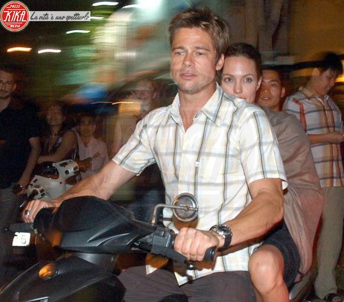 Angelina Jolie, Brad Pitt - Ho Chi Minh - 06-12-2006 - Cinema: Pitt e Jolie donano due milioni dollari per ospedale in Etiopia