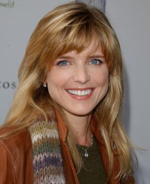 Courtney Thorne-Smith - West Hollywood - 05-03-2005 - Ally McBeal si è sposata di nascosto