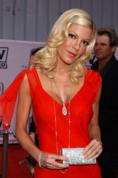 Tori Spelling - Santa Monica - 13-03-2005 - Morto il papà di Beverly Hills 90210