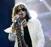 Steven Tyler - Londra - 25-09-2008 - Steven Tyler denuncia un fan
