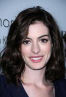 """Anne Hathaway - Los Angeles - 06-10-2008 - La Hathaway nel nuovo film di Tim Burton """"Alice nel paese delle meraviglie"""""""